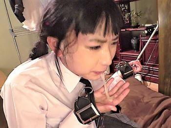 微乳ロリJKが強制手マンで連続イキさせられ口内レイプで喉奥に大量射精させられる!【琴羽雫】
