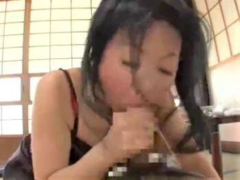 貧乳の母親が強烈フェラ抜きするところを息子に目撃されるが...結局母子セックスしちゃう!【野宮凛子】