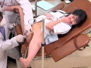 貧乳の看護学生が剃毛&局部アップで羞恥責めの後は極太チンポ挿入!膣内と顔面の連続射精!【泉りおん】