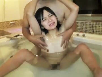 ラブホのお風呂で貧乳にローション塗られてマッサージされる美少女!本田まさみ