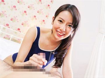 華奢な貧乳美少女がお漏らしオナニー後にスクール水着で手コキ抜き!紗凪美羽